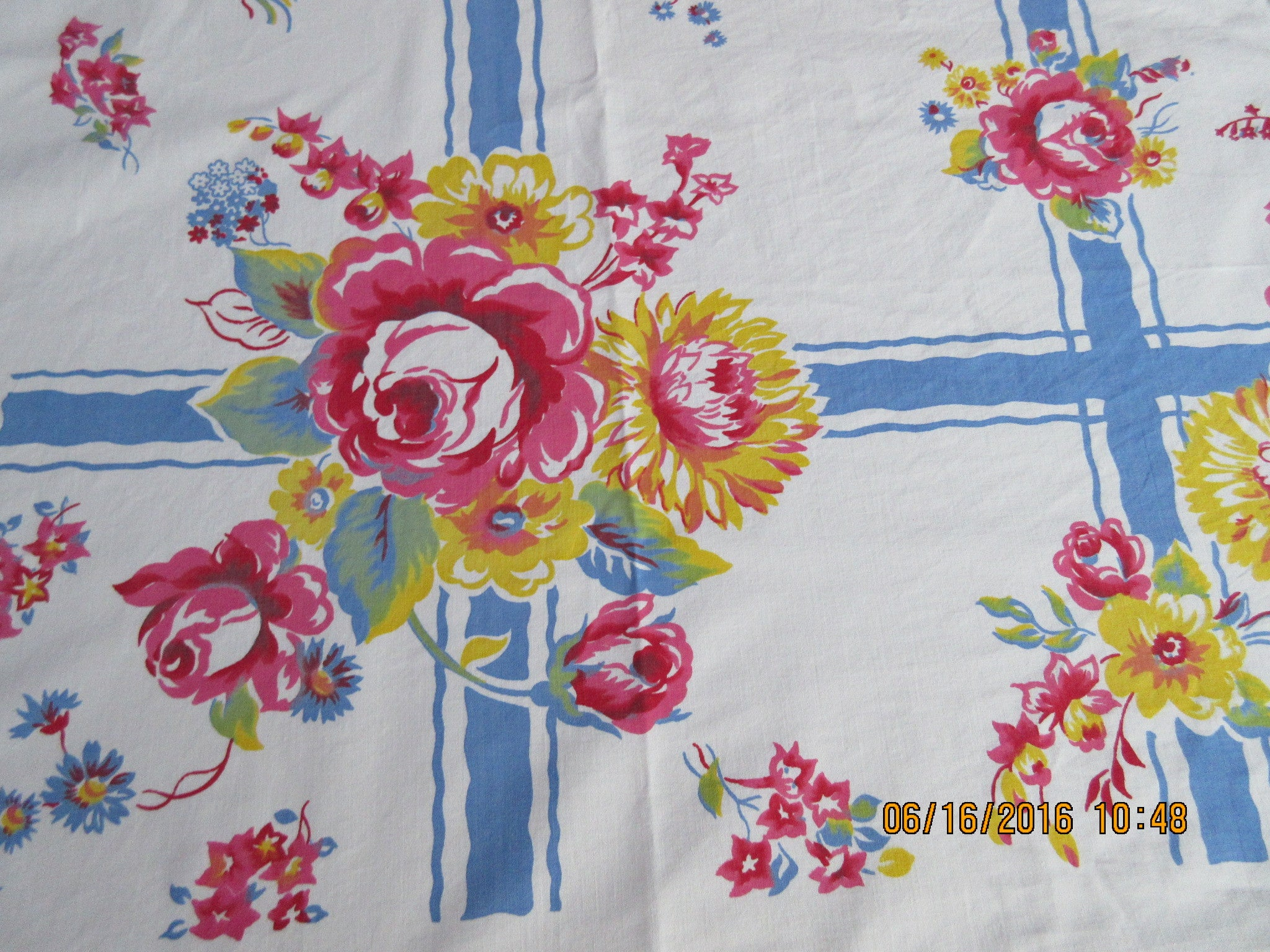 Pretty Pink Roses Blue Plaid Cutter? Floral Vintage Printed Tablecloth (49 X 47)