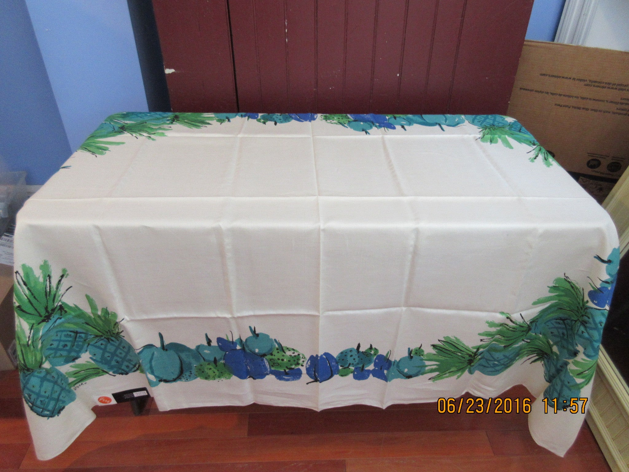 Funky Blue Green Vera Pineapple Fruit MWT Vintage Printed Tablecloth (71 X  53)