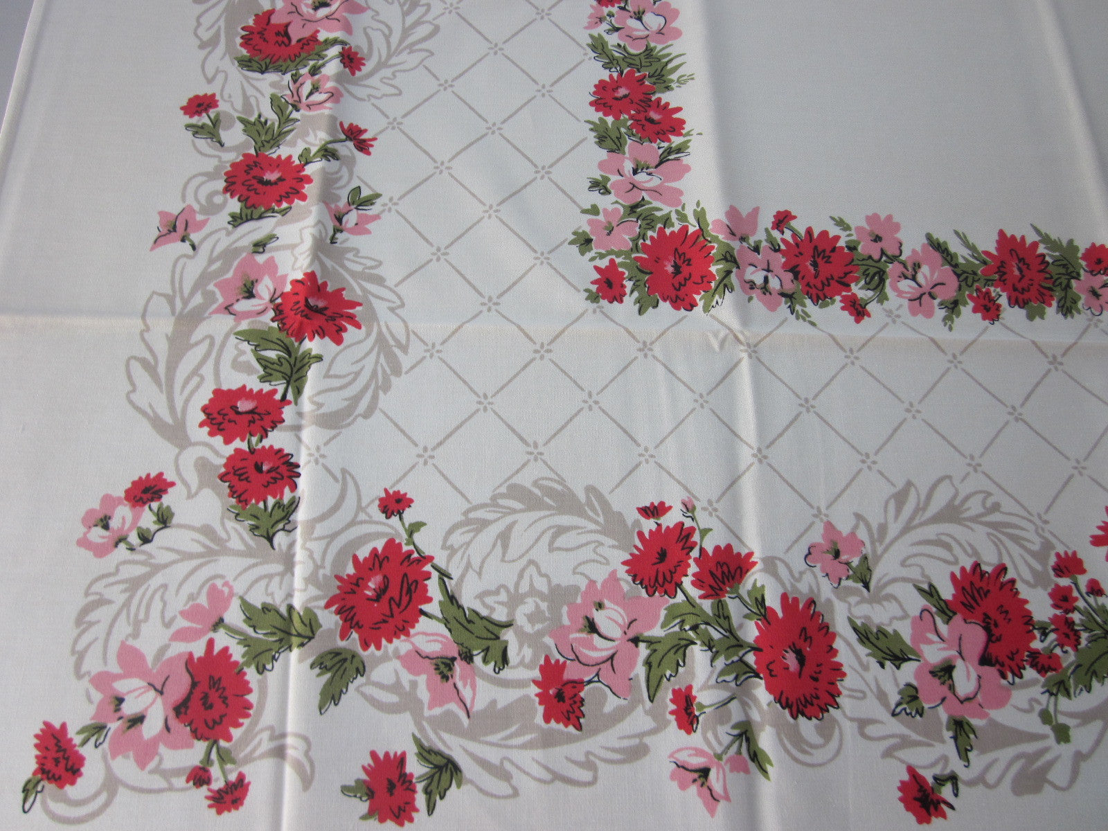 Simtex Pink Floral MWT Vintage Printed Tablecloth (67 X 52)
