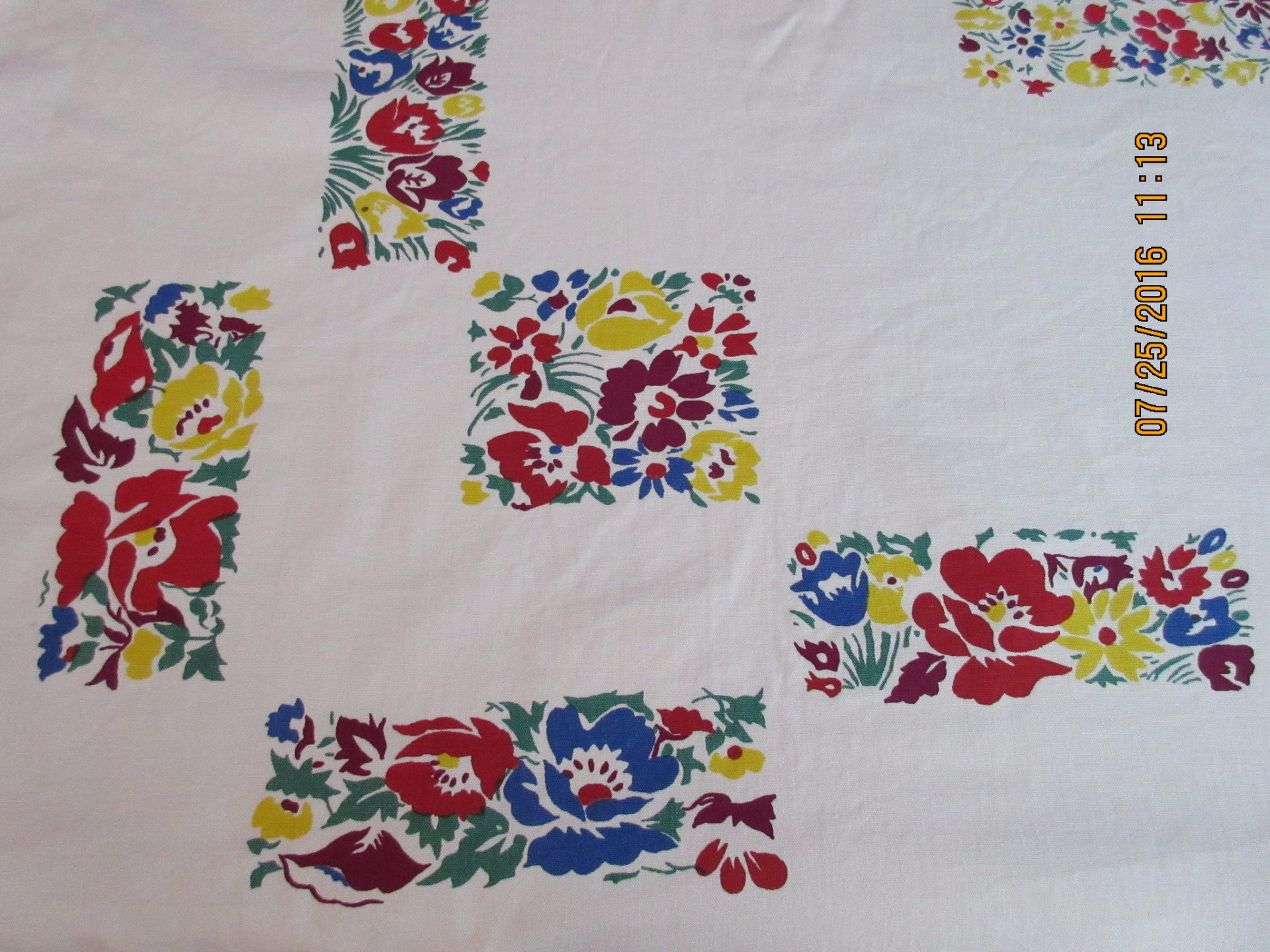 Primary Millefiori Poppies Floral NWOT Vintage Printed Tablecloth (52 X 47)