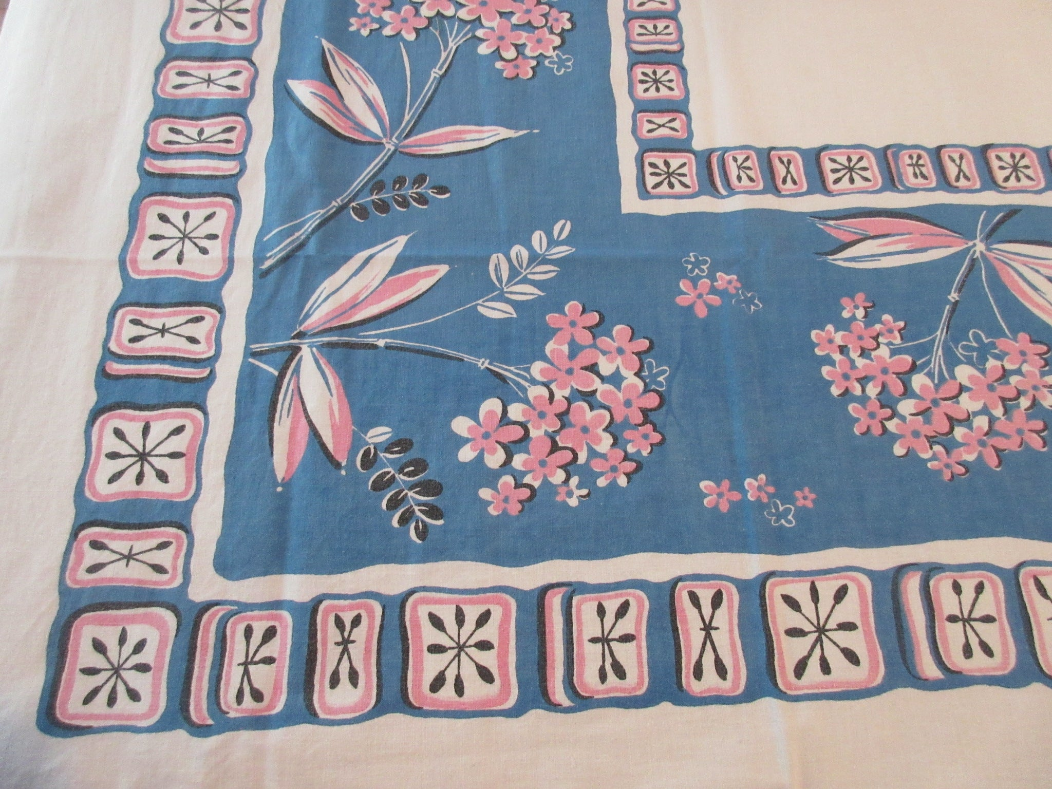 Atomic Flowers Geometric on Teal Cutter? Floral Vintage Printed Tablecloth (54 X 48)
