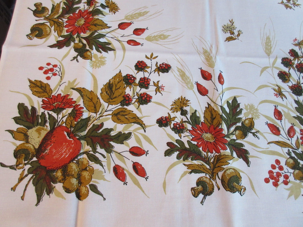 The Ryans Foliage Fruit Colors Autumn MWT Novelty Vintage Printed Tablecloth (67 X 51)