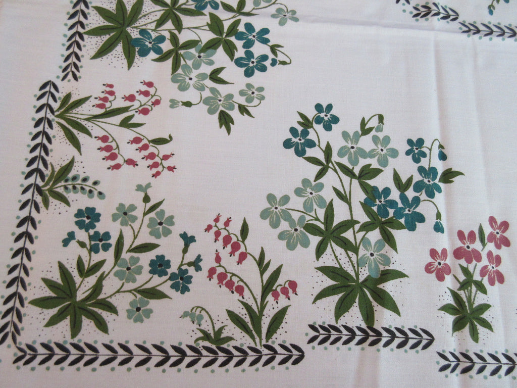 Fall Florals Green Colonial Autumn MWT Floral Vintage Printed Tablecloth (70 X 52)