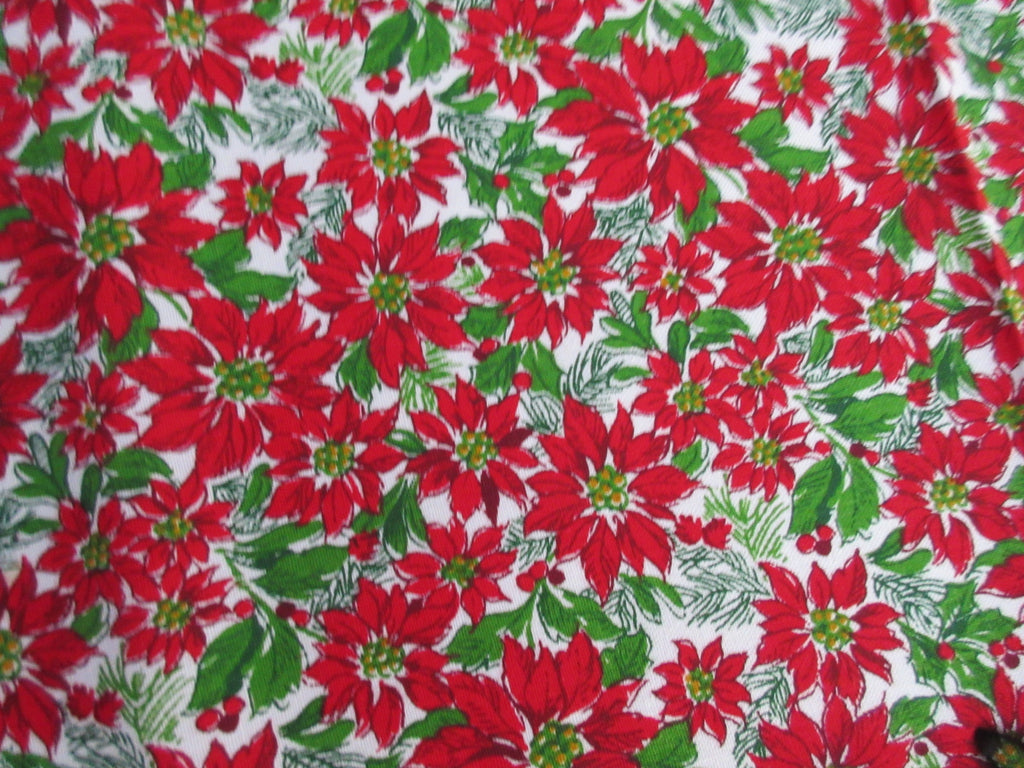 OVAL Mini Poinsettias Red Green MWT Christmas Vintage Printed Tablecloth (70 X 52)