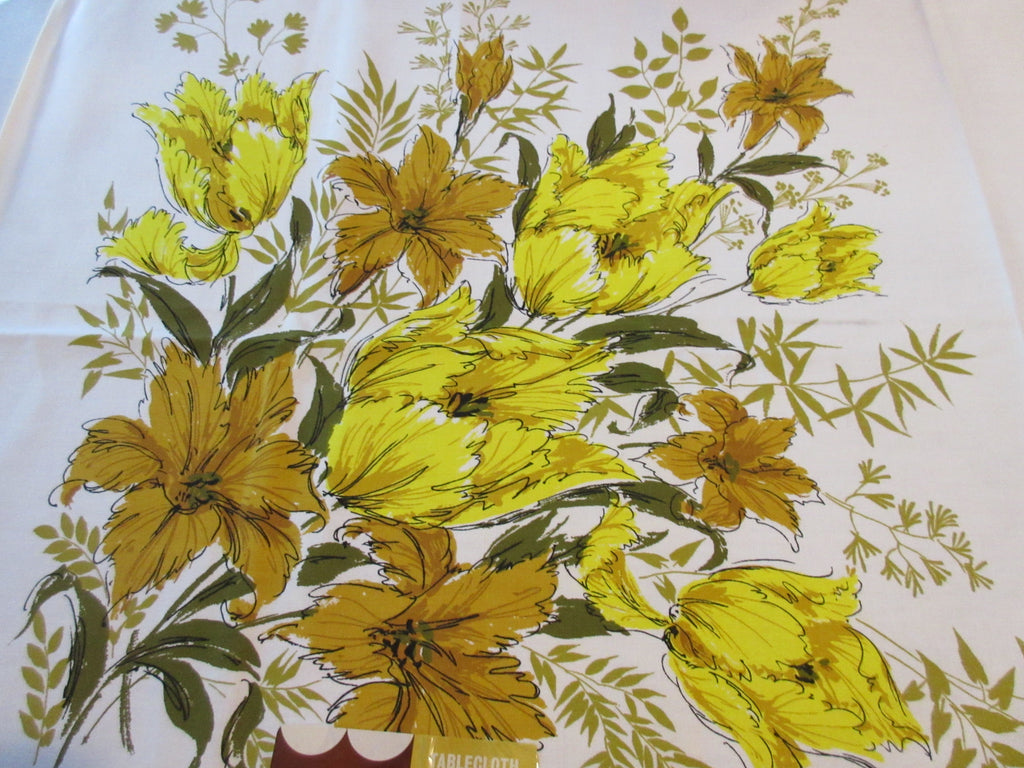 Mod Gold Parrot Tulips MWT Floral Vintage Printed Tablecloth (