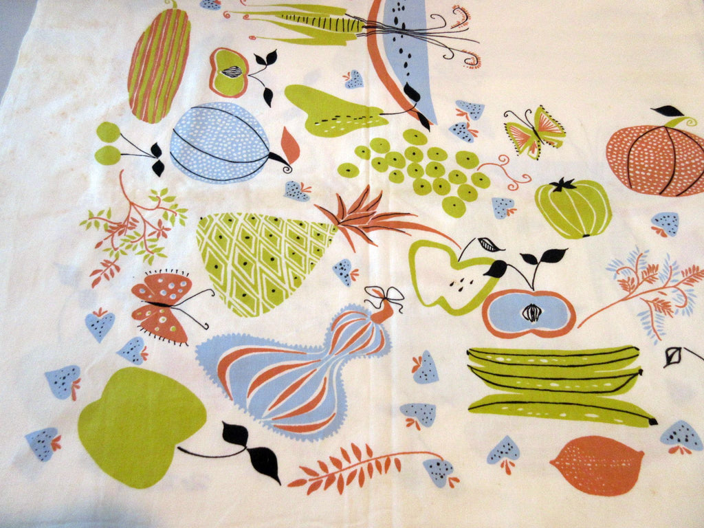 Rare Pat Prichard Mod Unwashed Fruit Vegetables Vintage Printed Tablecloth (54 X 49)