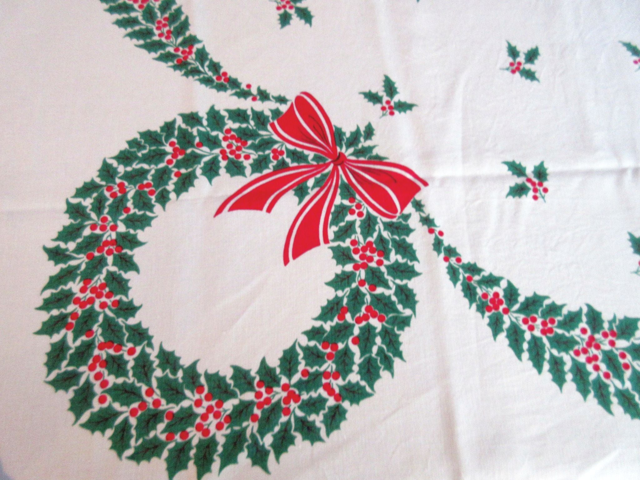 Hardy Craft Red Green Holly Ribbons Linen Christmas Vintage Printed Tablecloth (67 X 50)