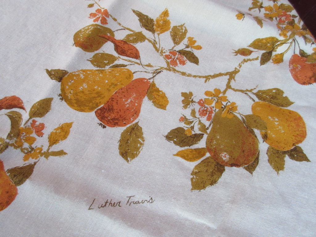 ROUND Fall Autumn Pear Pears Luther Travis MWT Vintage Printed Tablecloth (66 X 65)