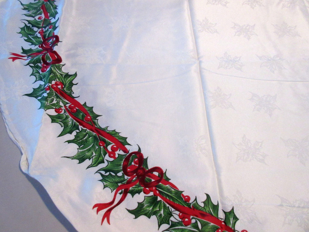 OVAL 60x84 Radko Christmas Holly Ribbons Damask NOS Retro Printed Tablecloth (82 X 60 actual)
