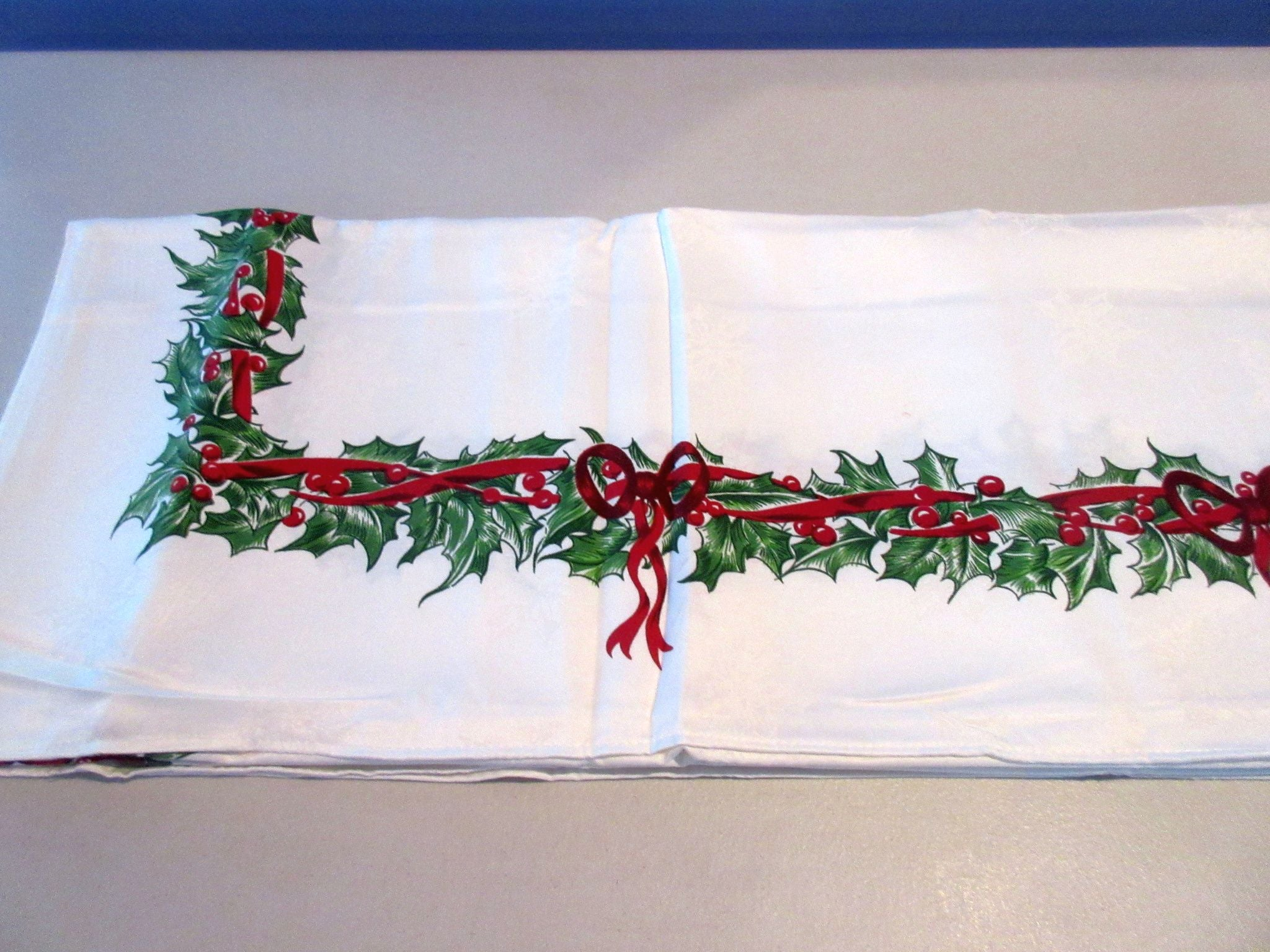 RECTANGLE #2 60x120 Radko Christmas Holly Ribbons Damask NOS Retro Printed Tablecloth (117 X 60 actual)