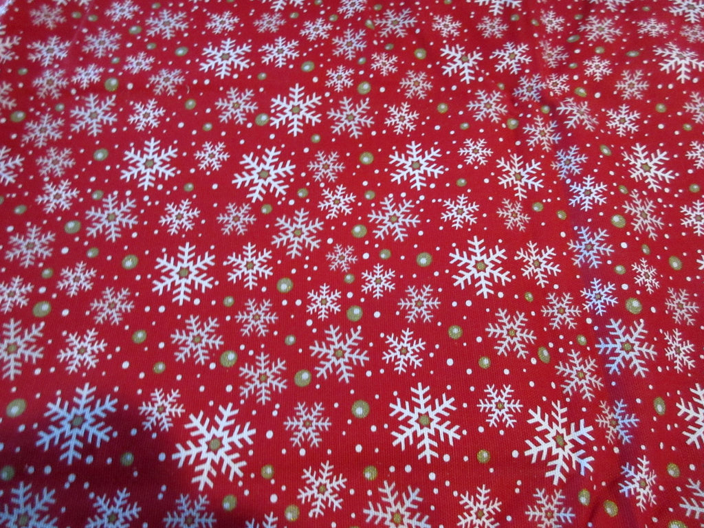 RECTANGLE 60x84 Christmas Snowflakes on Red FiESTA NOS Retro Printed Tablecloth (84x61 actual)