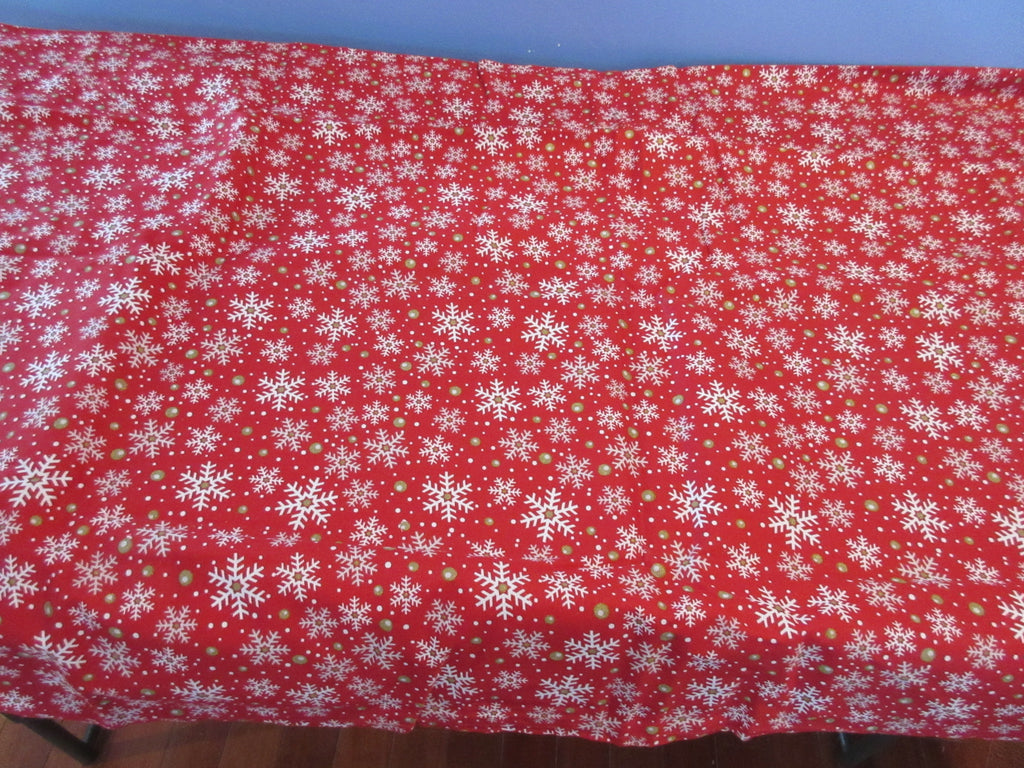 RECTANGLE 60x102 Christmas Snowflakes on Red FiESTA NOS Retro Printed Tablecloth (100 X 60 actual)