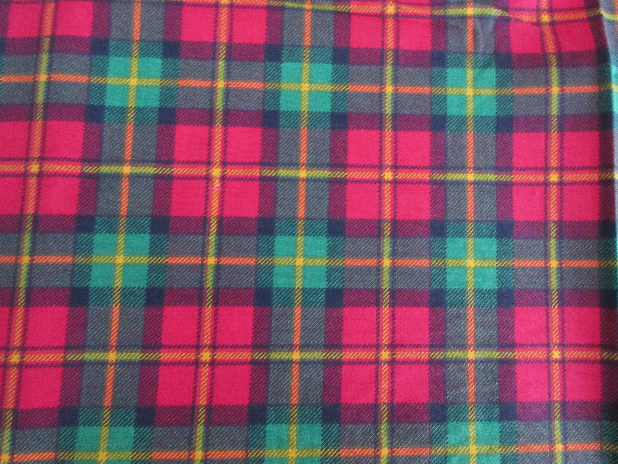 Red Green Christmas Plaid MWT Novelty Vintage Printed Tablecloth (70 X 51)