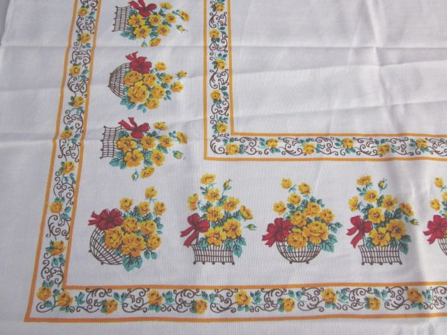 Yellow Rose Baskets MWT Floral Napkins Vintage Printed Tablecloth (51 X 51)