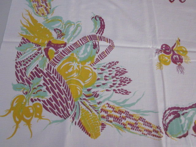 HTF Victory Garden Vegetable Baskets Vintage Printed Tablecloth (50 X 48)