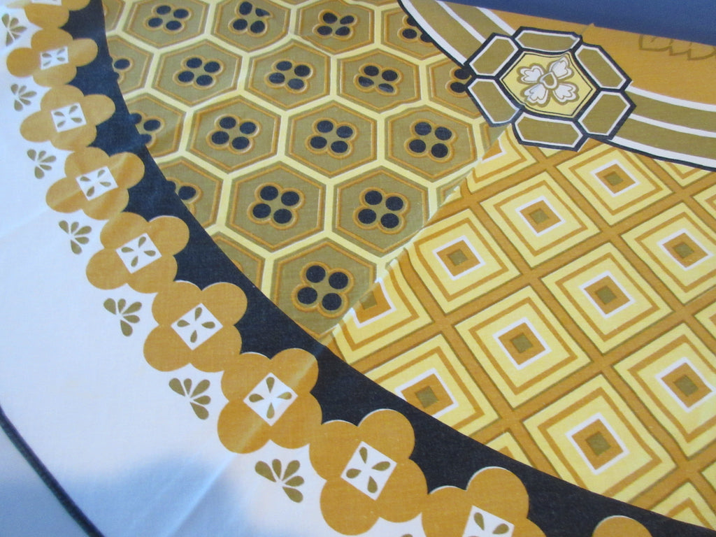ROUND Fall Gold Brown Geometric Napkins Novelty Vintage Printed Tablecloth (67 X 67)