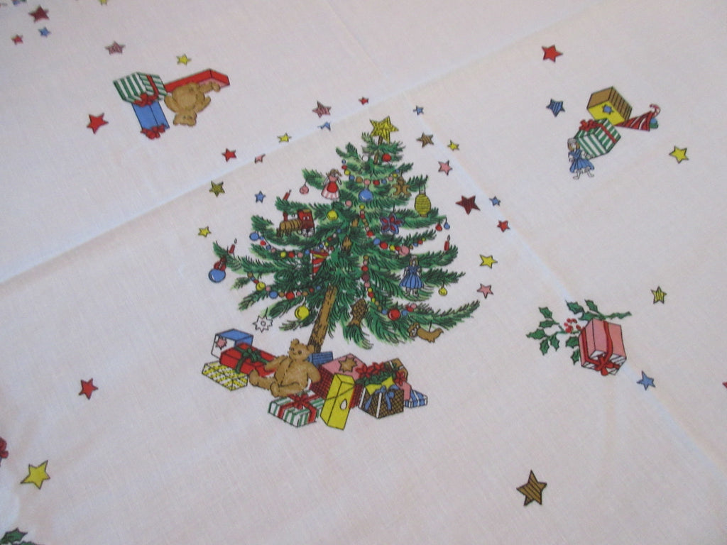 RECTANGLE 52x70 Christmas Nikko Christmastime NOS Vintage Printed Tablecloth (69 X 51 actual)