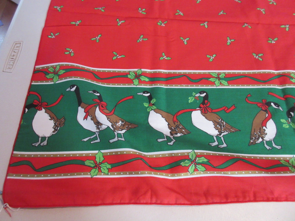 RECTANGLE 60x104 Christmas Geese NOS Vintage Printed Tablecloth (103 X 60 actual)