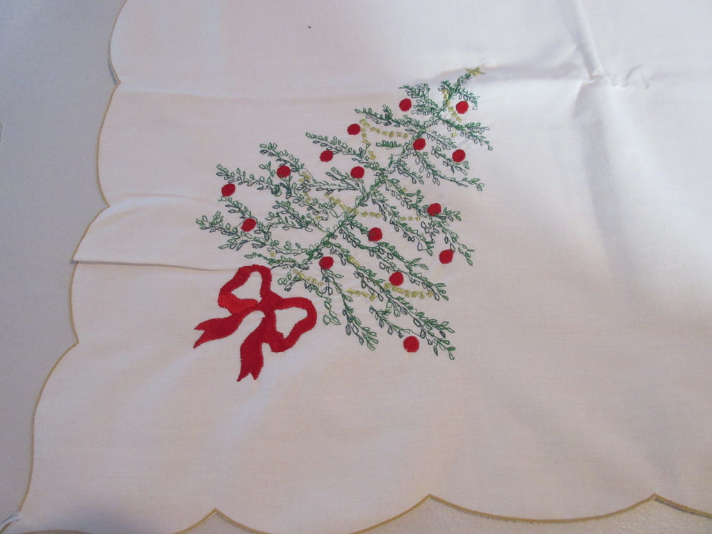 RECTANGLE 60x84 Christmas Embroidered 12 Napkins NOS Printed Tablecloth (81 X 56 actual)
