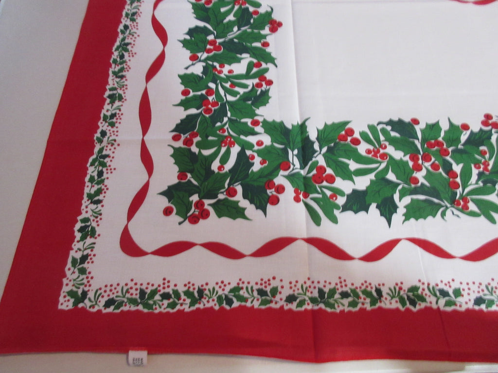 RECTANGLE 52x70 Thinner Christmas Mistletoe Retro Printed Tablecloth (69 X 54 actual)
