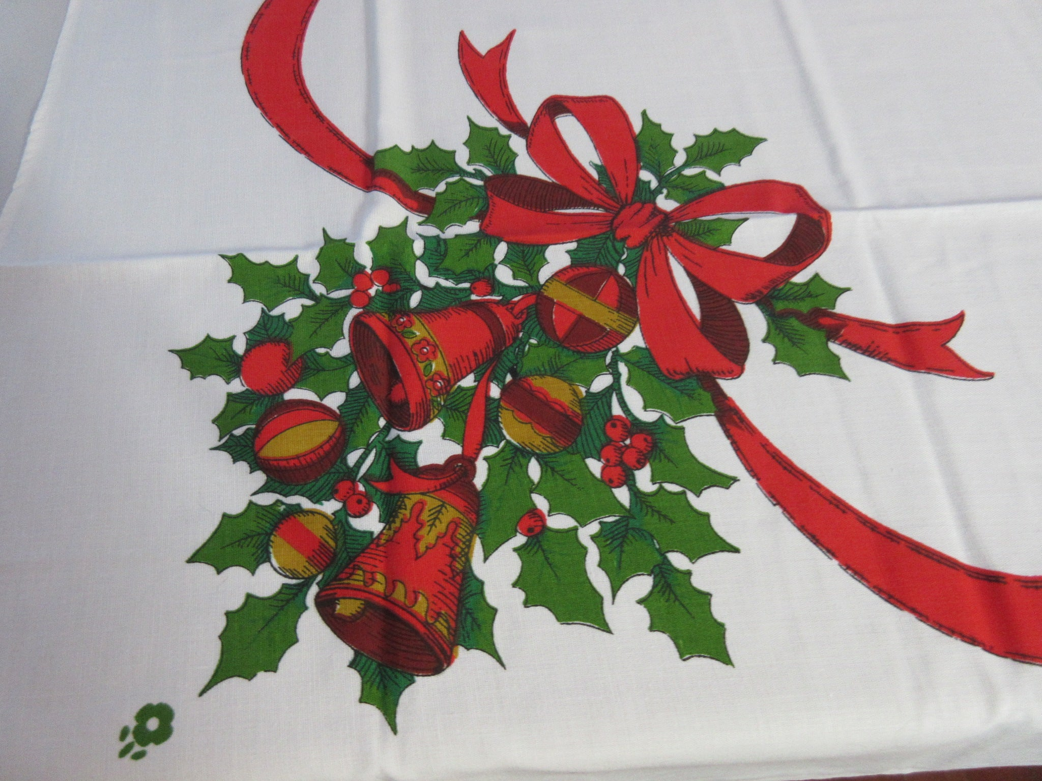 SQUARE 52x52 60s Bells MWT Vintage Printed Tablecloth (52 X 51 actual)
