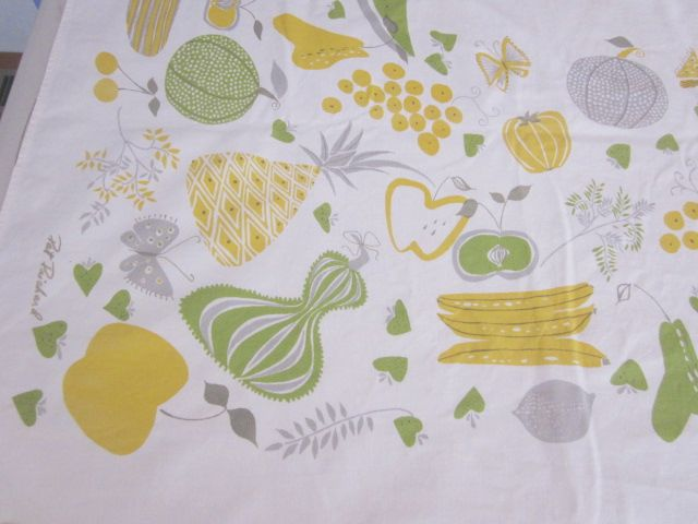 Gold Green Linen Pat Prichard Fall Veggies Vintage Printed Tablecloth (65 X 56)