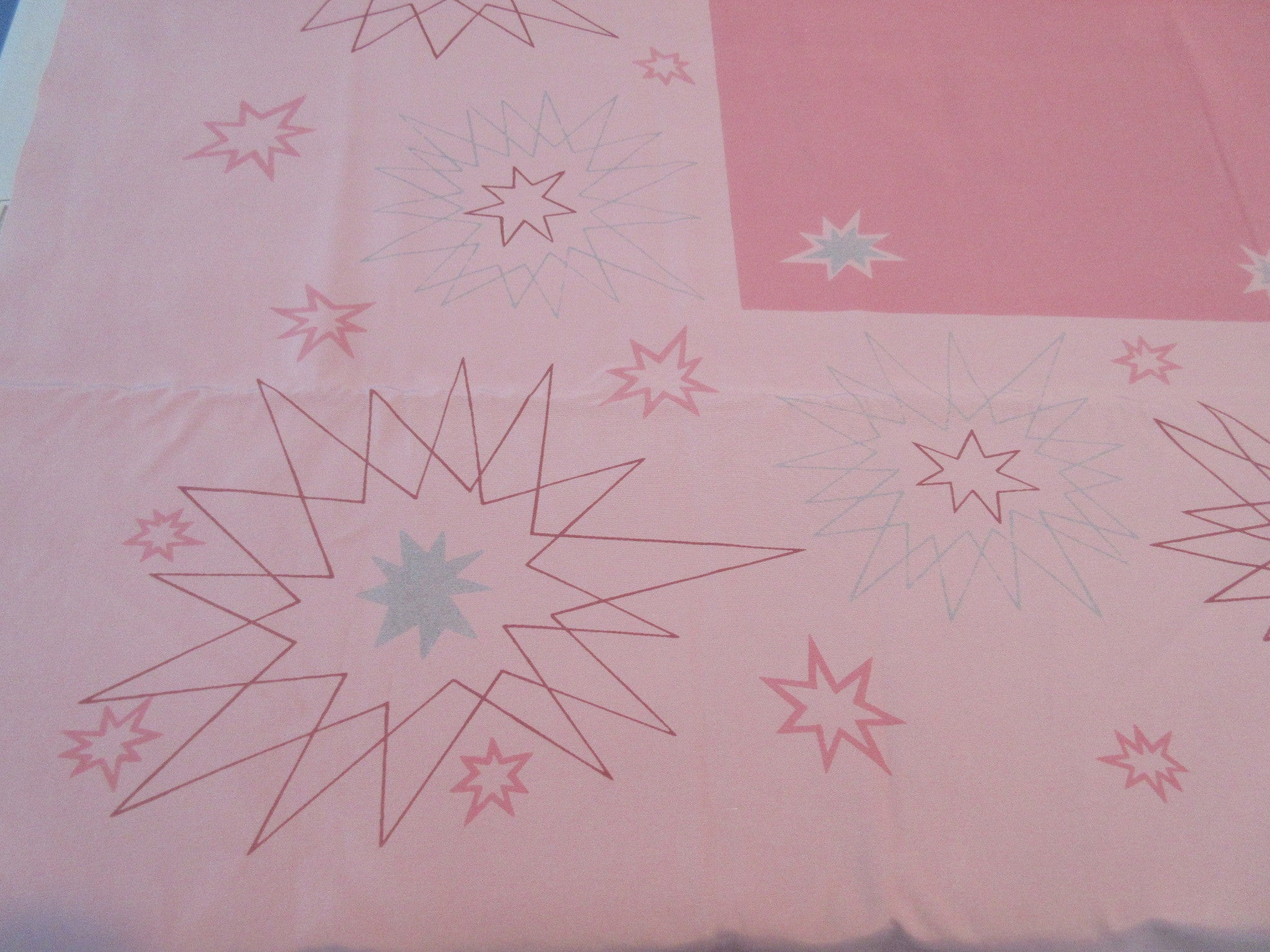 Rare Atomic CHP MCM Silver Stars on Pink Novelty Vintage Printed Tablecloth (52 X 46)