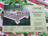 ROUND 90 Garland Holly MWT Vintage Printed Tablecloth (90 X 89)