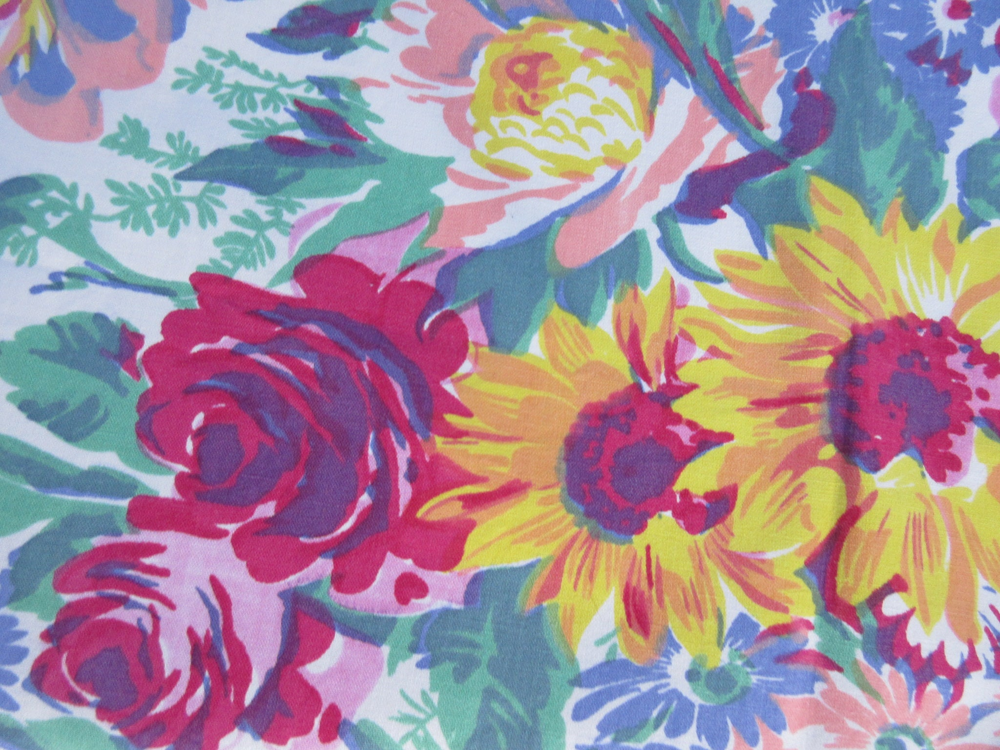 Wilendur Giant Bouquet Floral Vintage Printed Tablecloth (62 X 56)