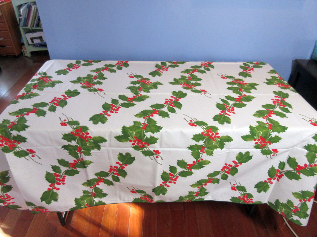 RECTANGLE 52x70 VERA Holly NOS Vintage Printed Tablecloth (68 X 51 actual)