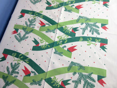 Banquet MCM Ribbons Graphical Christmas Vintage Printed Tablecloth (134 X 61)