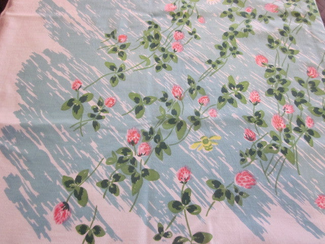 Pink Clover on Aqua Bees Napkins Floral Vintage Printed Tablecloth (52 X 46)