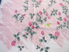 Days of Bees and Clover Floral Vintage Printed Tablecloth (52 X 46)