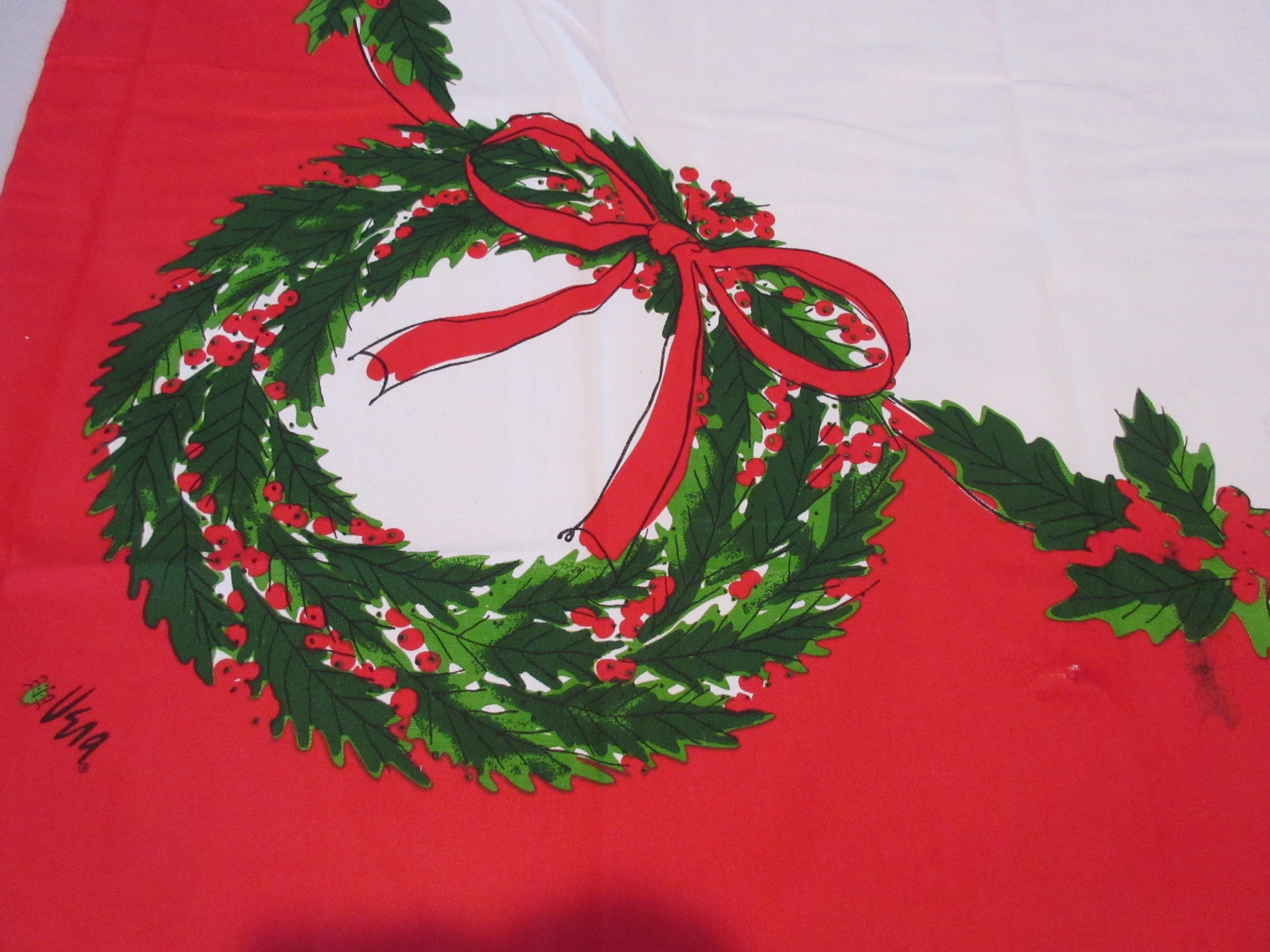 New Vera Wreaths Misprint Christmas Cutter? Printed Tablecloth (53 X 52)