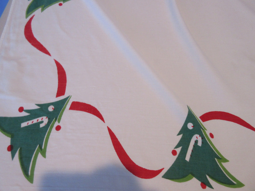 Giant Banquet Christmas Trees Green Red Novelty Vintage Printed Tablecloth (106 X 60)