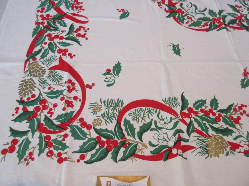 Leacock Christmas Garland Holly Mistletoe MWT Novelty Vintage Printed Tablecloth (52 X 50)