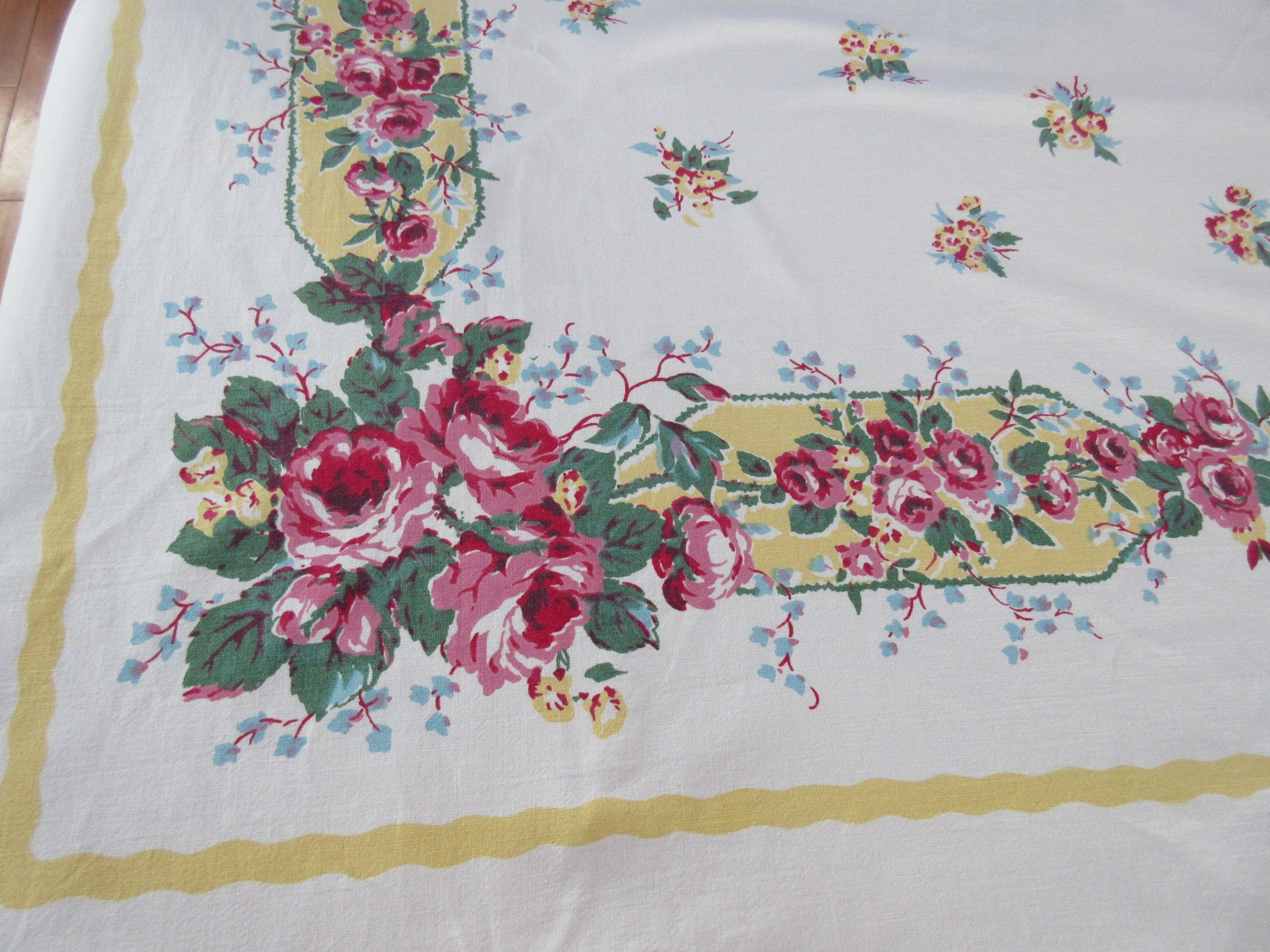 Large Pink Roses on Butter Yellow Bars Floral Vintage Printed Tablecloth (81 X 58)