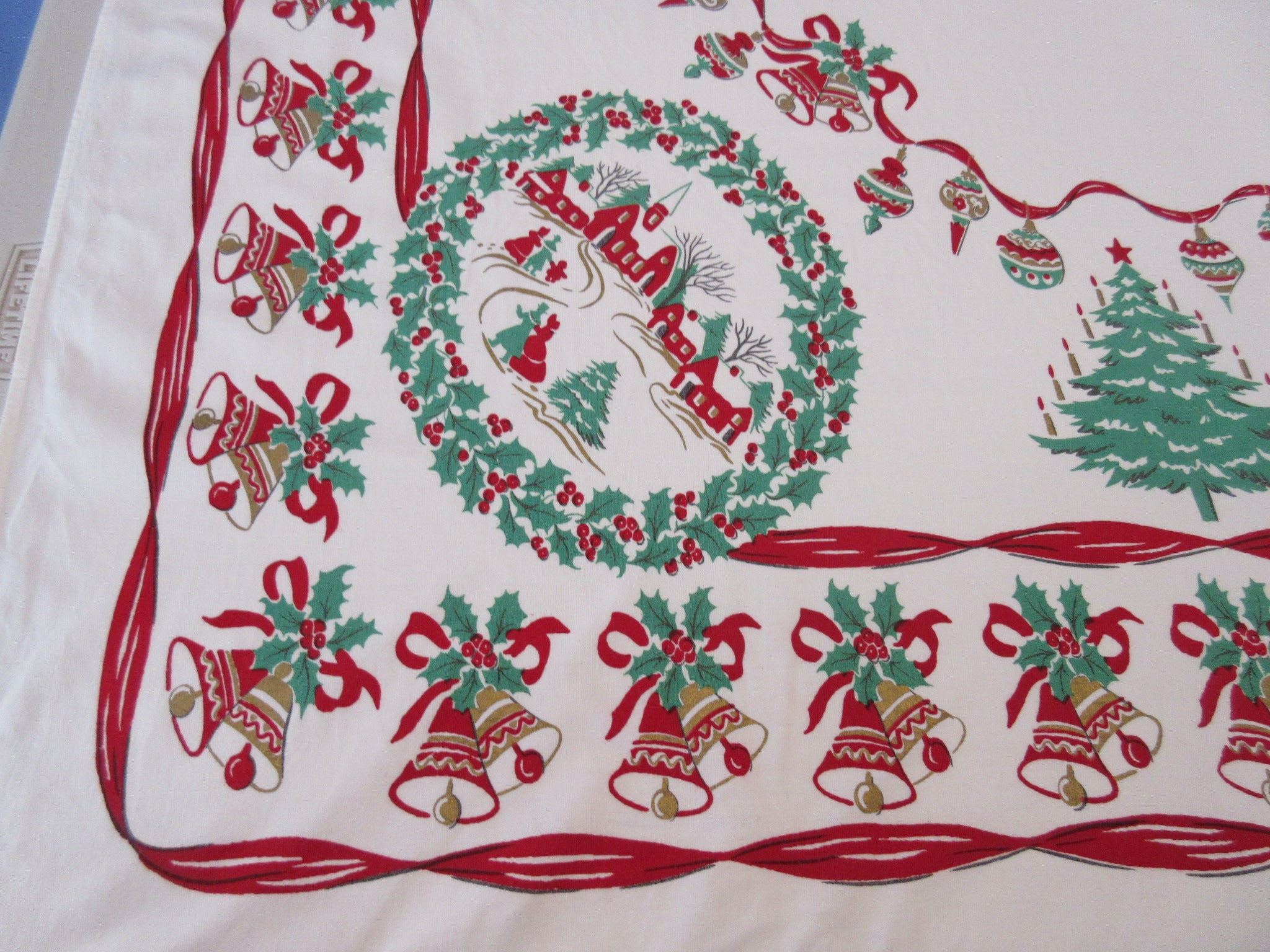 Red Green Wreaths and Trees Christmas Novelty Vintage Printed Tablecloth (58 X 53)
