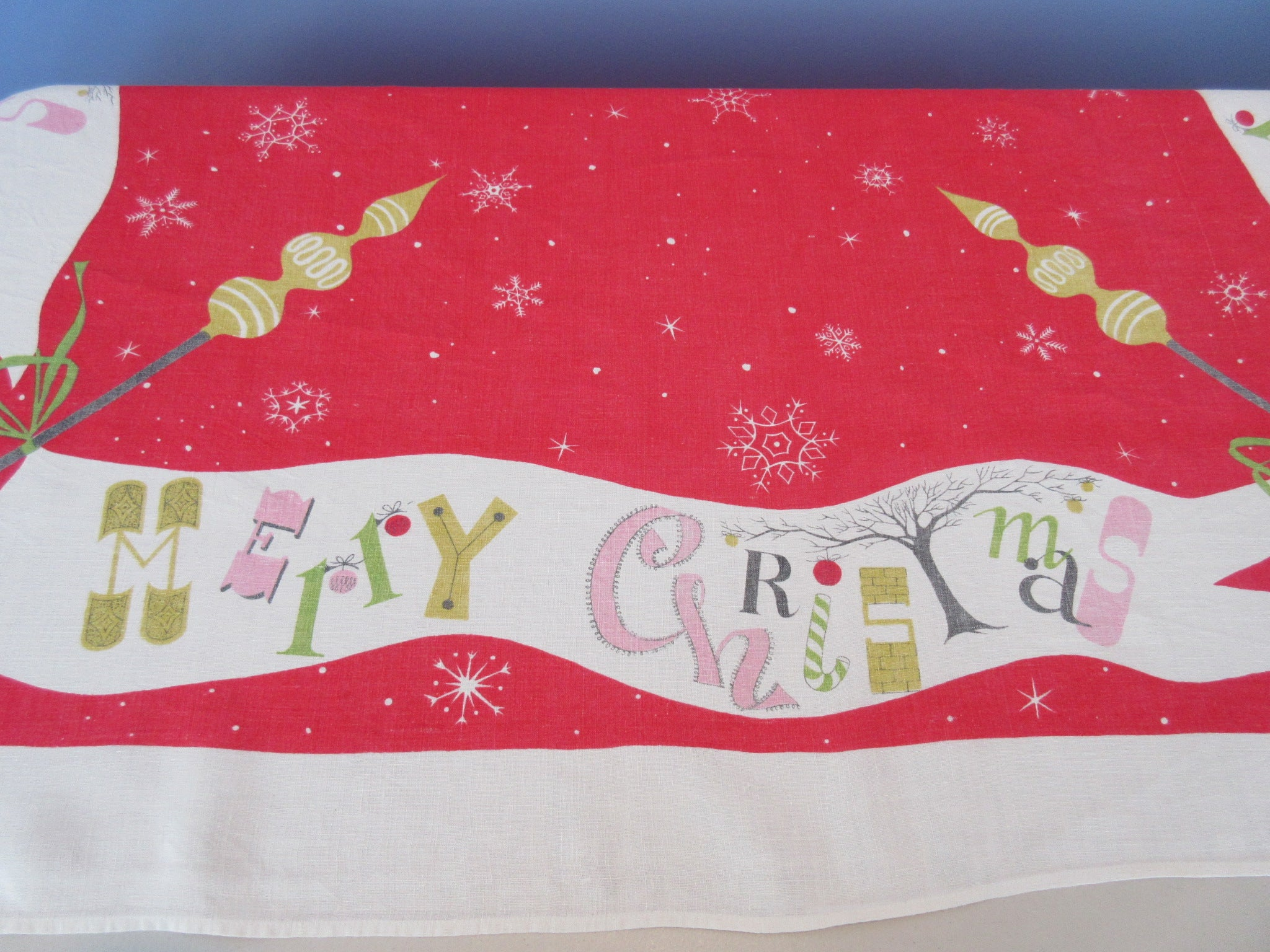 HTF Merry Christmas Banners Funky Atomic Christmas Novelty Vintage Printed Tablecloth (65 X 51)