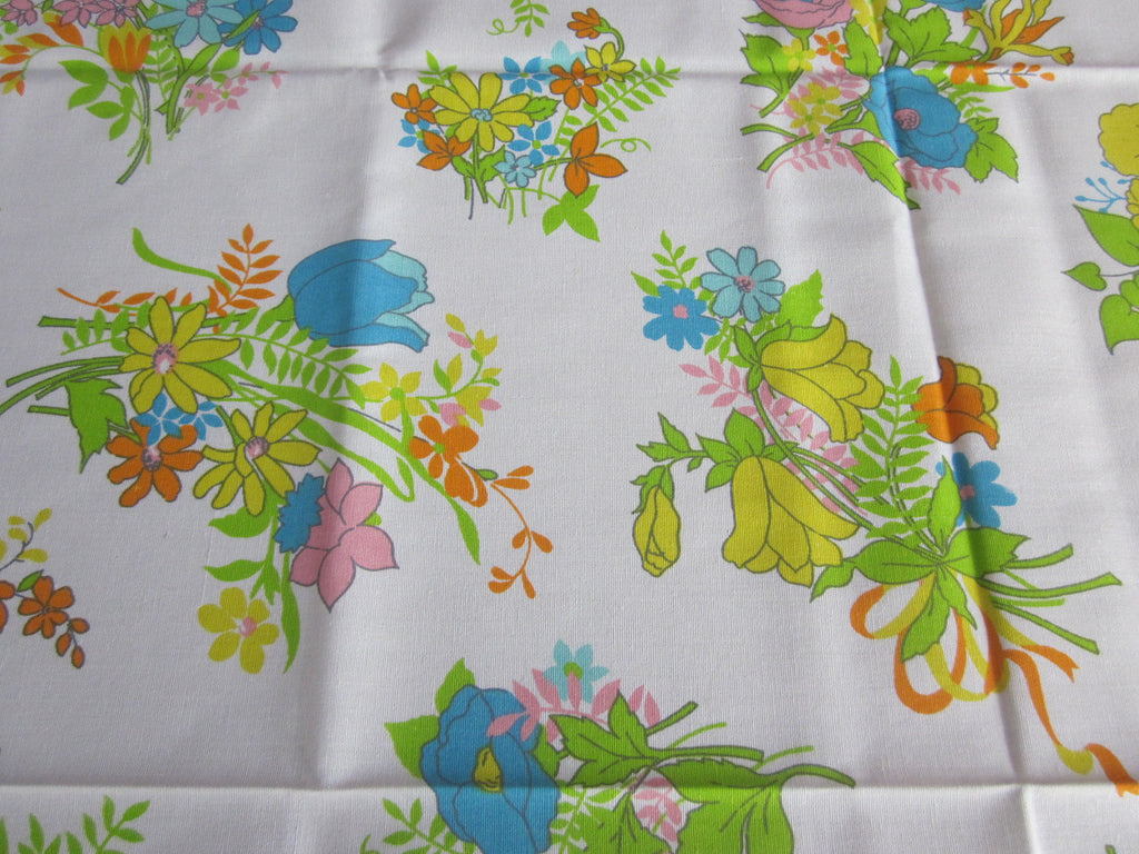 Mod 70s Spring Floral Lime Aqua Vintage Printed Tablecloth (69 X 52)