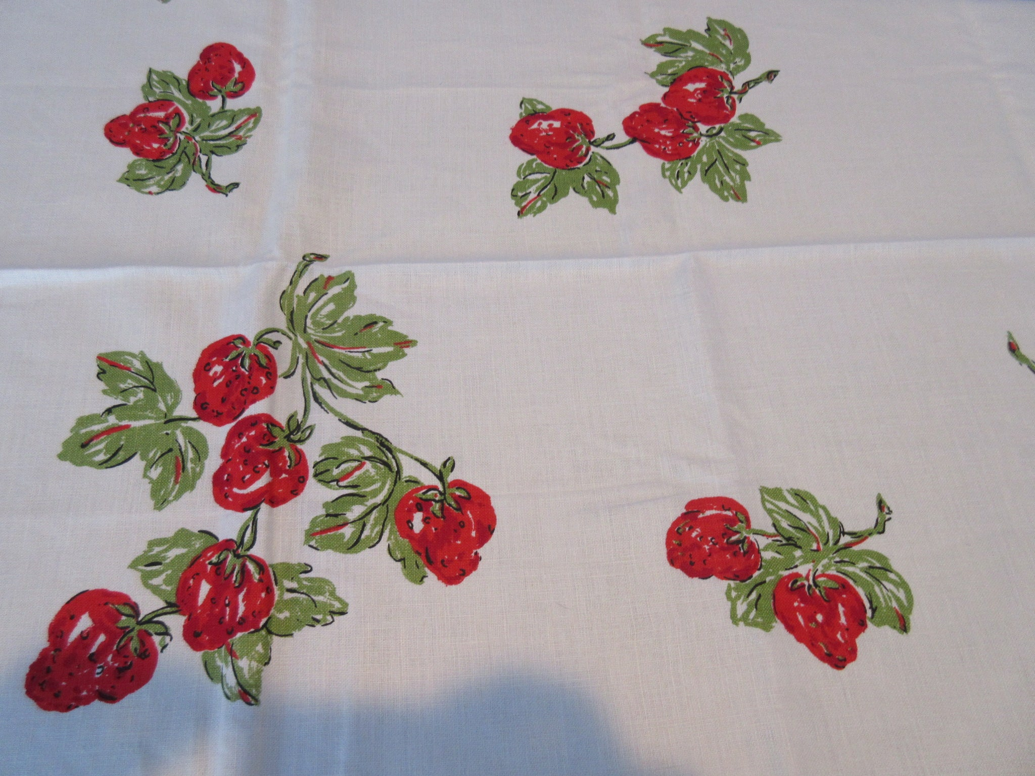 Yummy Red Green Strawberries MWT Linen Fruit Vintage Printed Tablecloth (69 X 51)