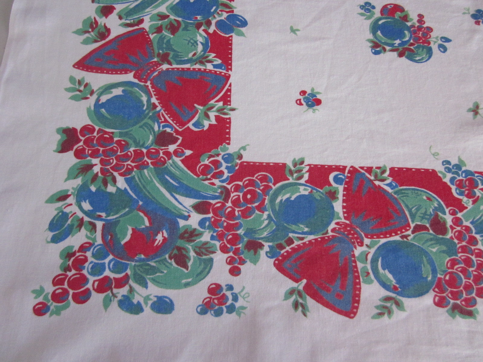Broderie Primary Fruit Bows Red Vintage Printed Tablecloth (50 X 44)