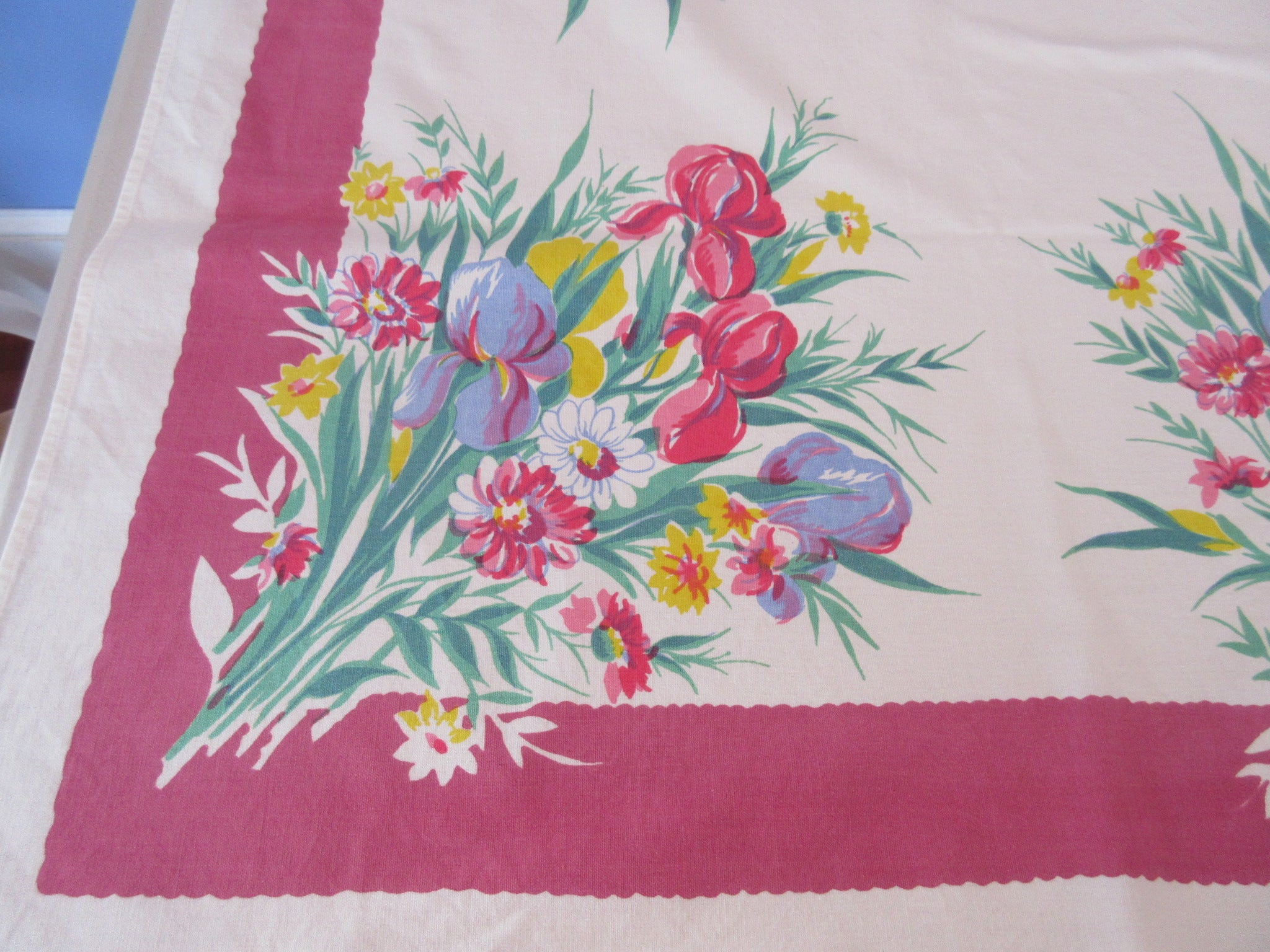Wilendur Iris Daisies on Pink Floral Vintage Printed Tablecloth (66 X 54)