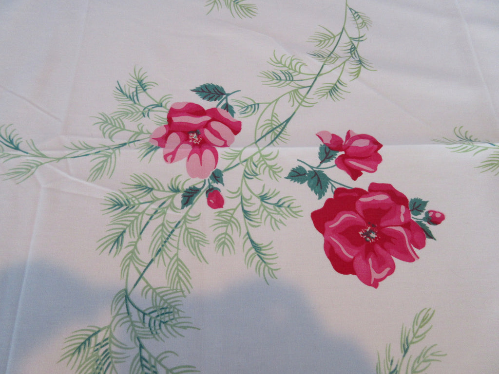 Wilendure Pink Green Shrub Rose Array Floral Vintage Printed Tablecloth (68 X 54)