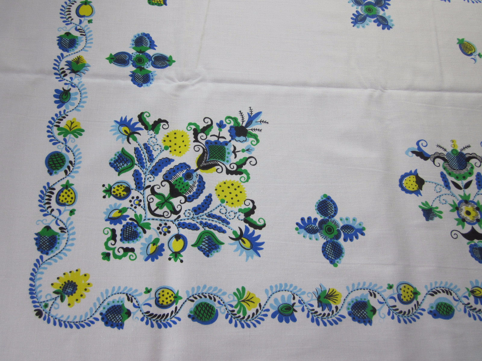 Blue Yellow Green PA Dutch Floral MWT Vintage Printed Tablecloth (68 X 51)