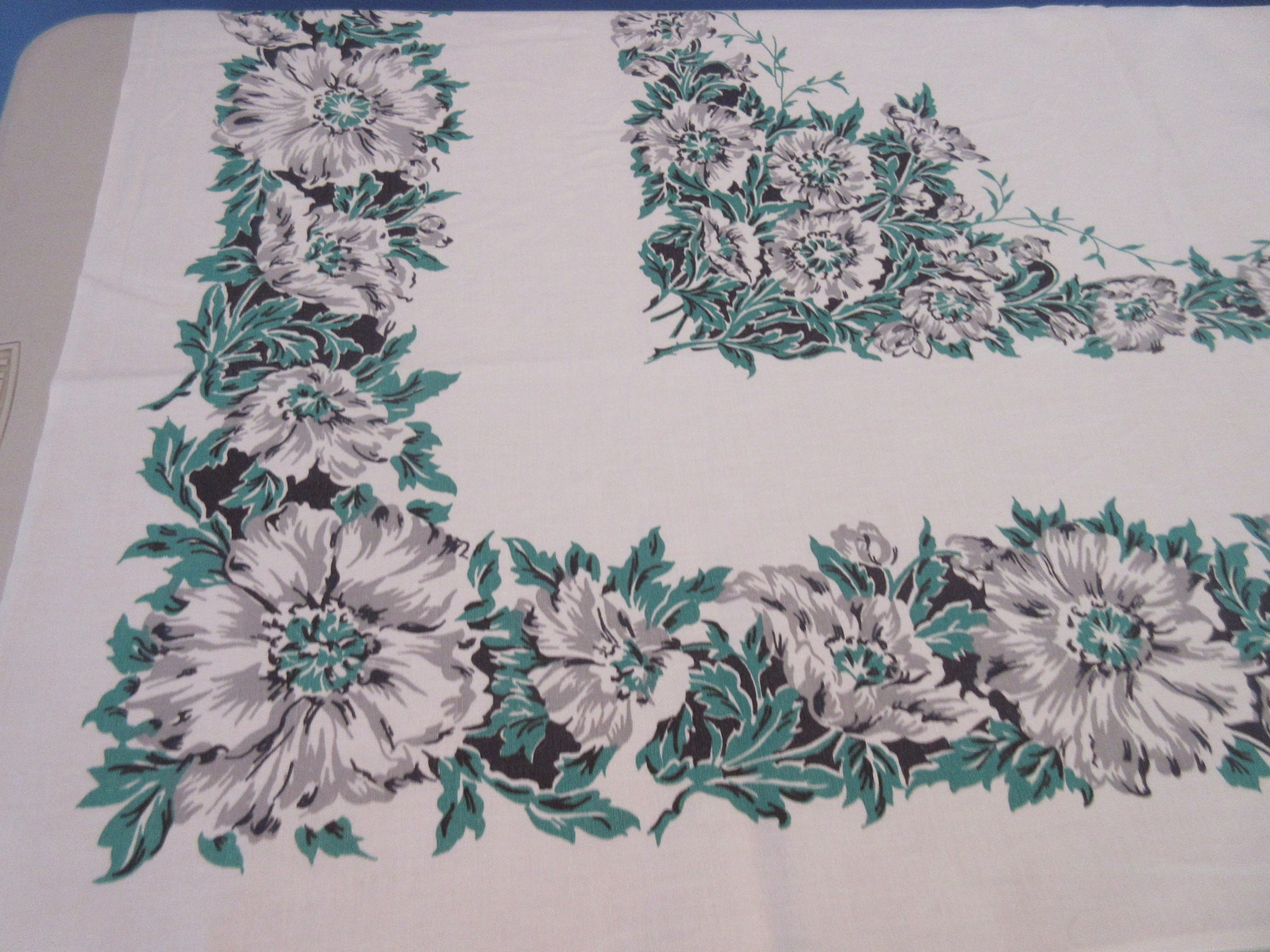 Grey Green Poppies Sheeting Floral Vintage Printed Tablecloth (50 X 48)