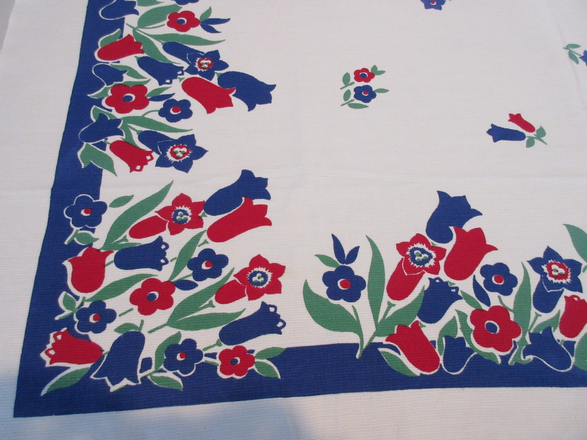 Primary Tulips Posies Red Blue Green Floral Vintage Printed Tablecloth (50 X 46)