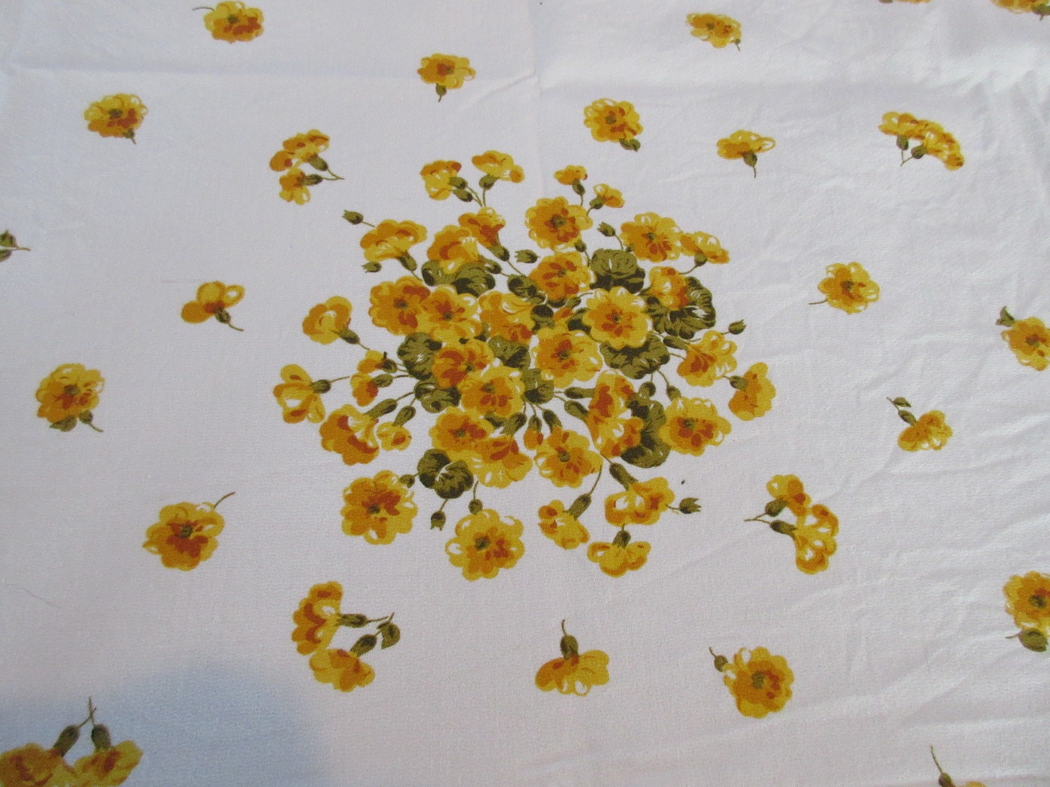 Gold Geranium Array Floral Vintage Printed Tablecloth (56 X 51)