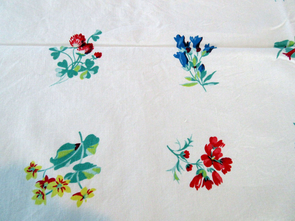 Shabby Wilendur Wildflowers Floral Vintage Printed Tablecloth (54 X 47)