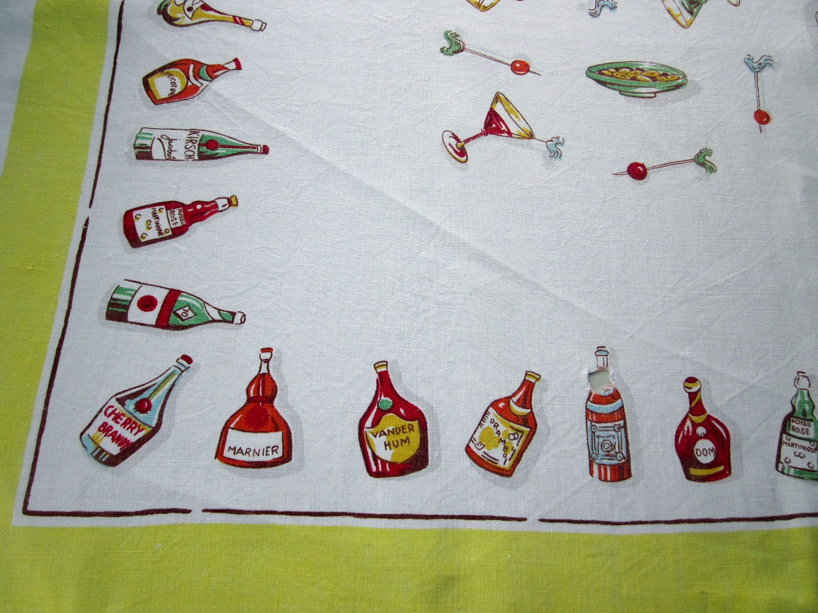 Cocktails Liquor Bottles Linen Cutter? Novelty Vintage Tablecloth (50 X 50)